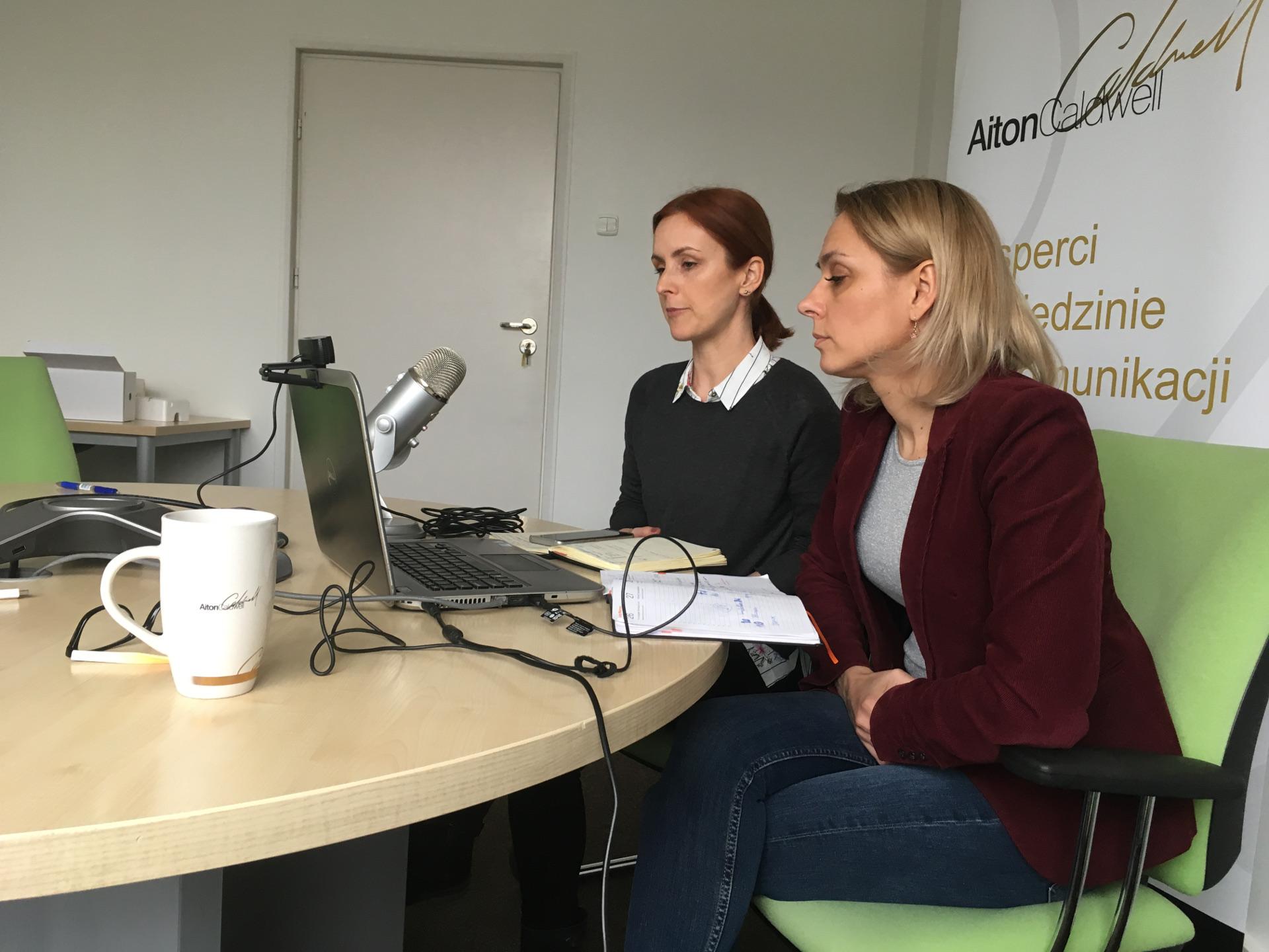Ewa Bachańska i Monika Jóźwiak Datera, webinarium na temat aplikacji Call-eX Softphone